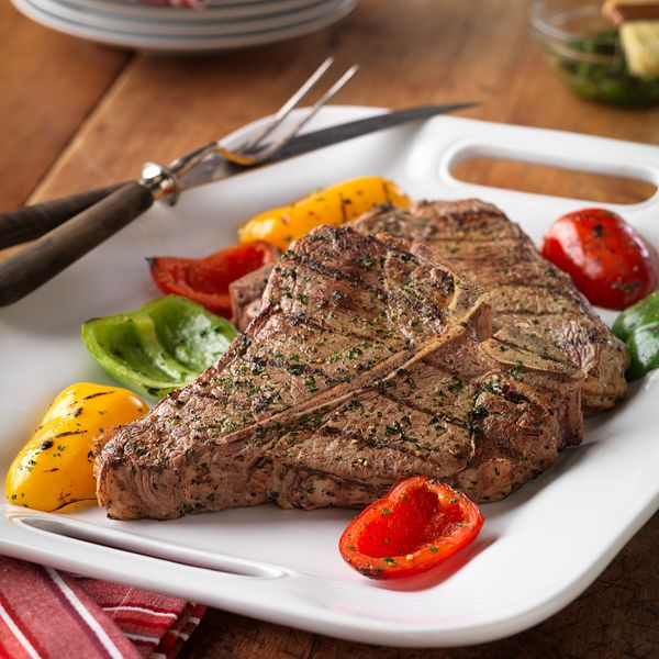 grilled-beef-steak-colorful-peppers