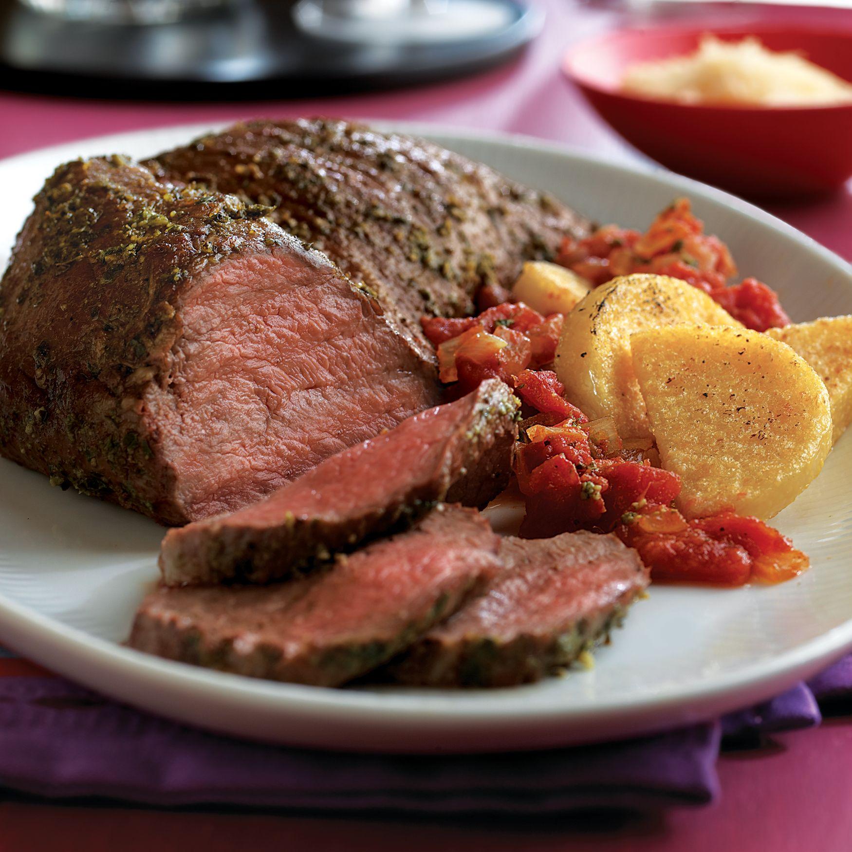 Pesto-Rubbed Tri-Tip Roast with Warm Tomato Sauce