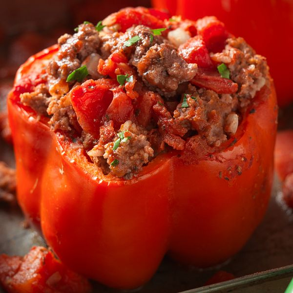 classic-beef-stuffed-peppers-square