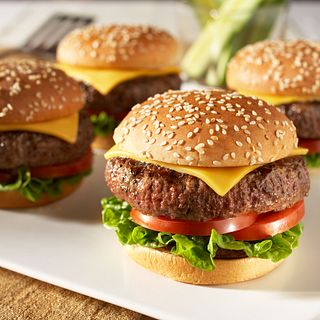 classic-beef-cheeseburgers-square.tif