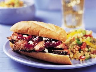 sirloin-sandwich-with-red-onion-&-dried-fruit-marmalade-horizontal.eps