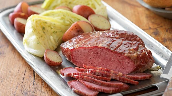 homestyle-corned-beef-with-dilled-cabbage-horizontal