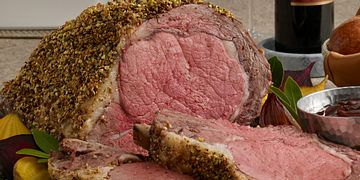 pistachio-crusted-ribeye-roast-with-holiday-wine-sauce-square.tif