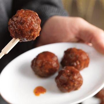 Mini Meatball Appetizers with Apricot Dipping Sauce