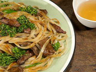 Spicy Shanghai Steak and Noodle Stir-Fry