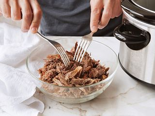 Slow Cooker Shredded Beef Step Shot 1