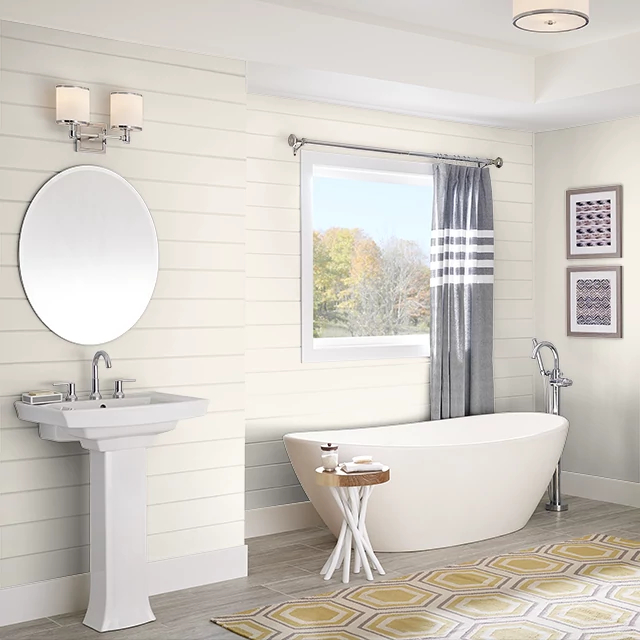 Bathroom painted in COTTON