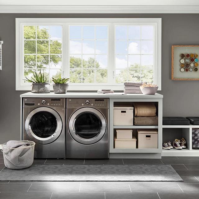 Laundry painted in BINOCULARS