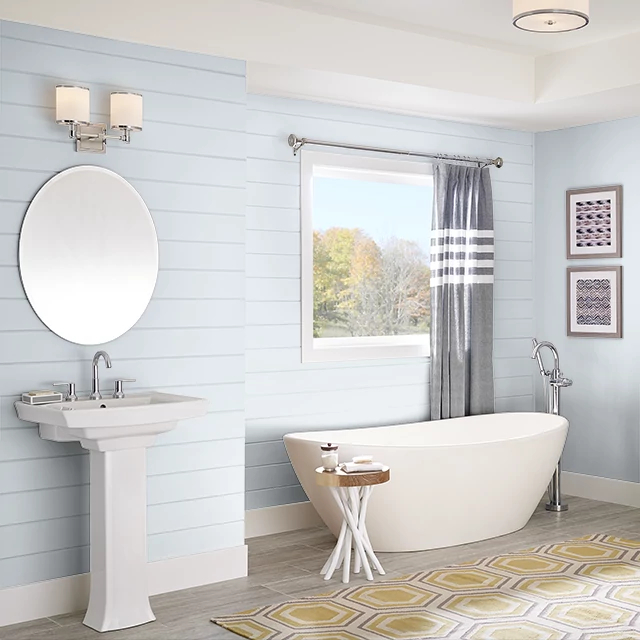 Bathroom painted in WHITE MAJESTIC