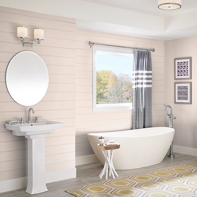 Bathroom painted in TAUPE PEARLS