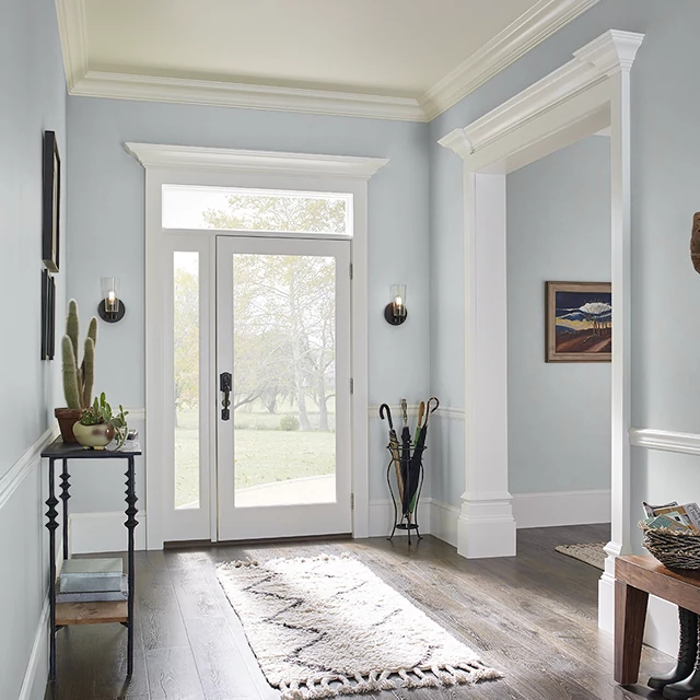 Foyer painted in PLATINUM RING