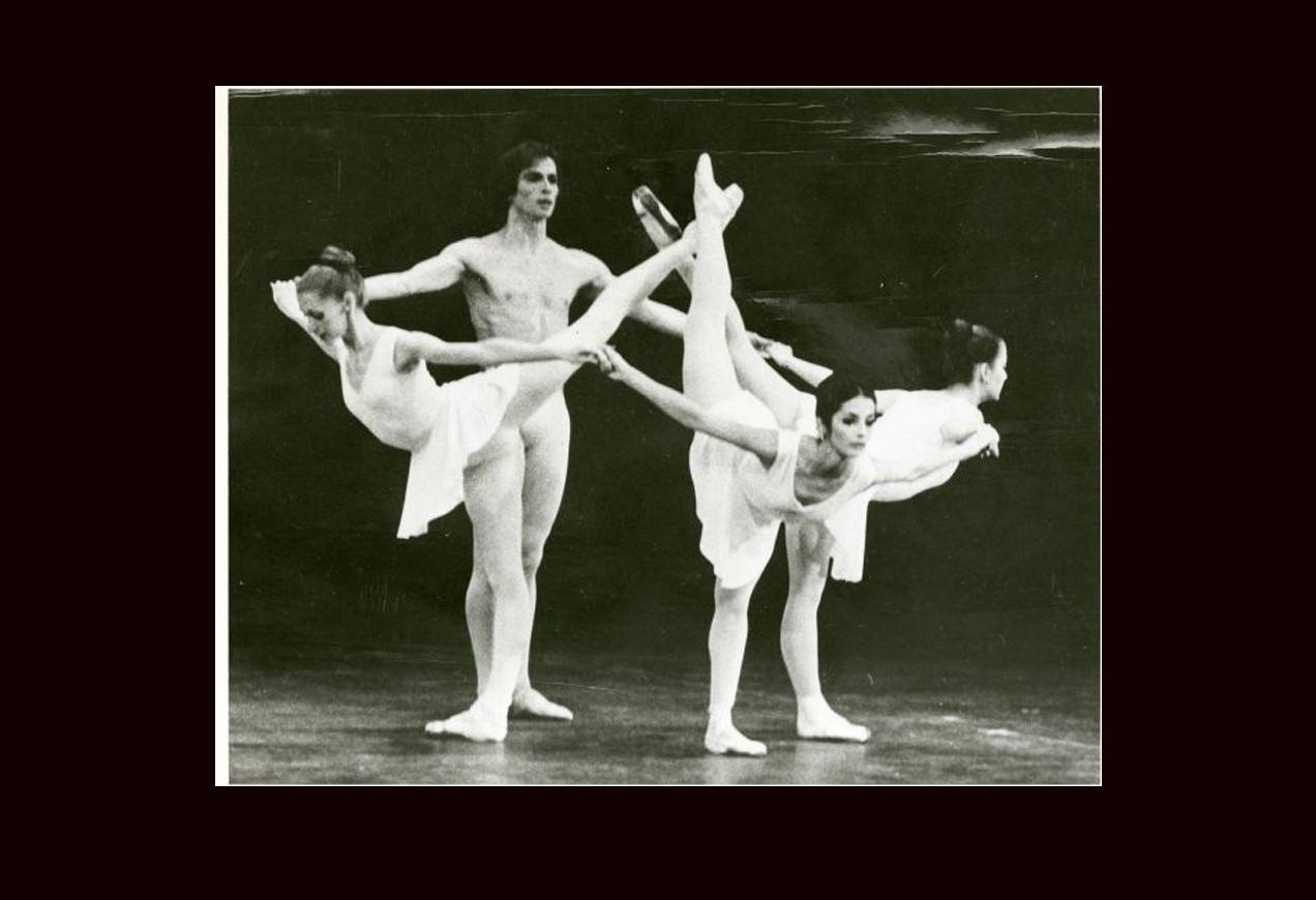 Rudolf Nureyev, Anamarie Sarazin, Edra Toth, Jerilyn Dana in George Balanchine's Apollo © The George Balanchine Trust