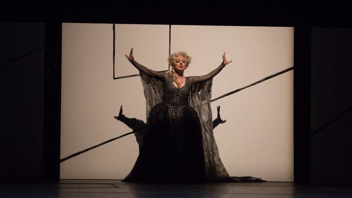 Dana Caspersen† (Woman in Historical Dress) in William Forsythe's Artifact 2017