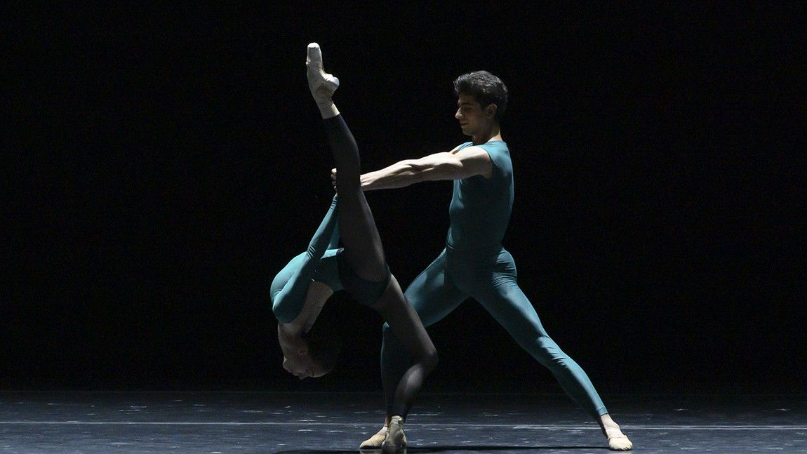 Tigran Mrktchyan, and Viktorina Kapitonova in William Forsythe's In The Middle, Somewhat Elevated by Liza Voll