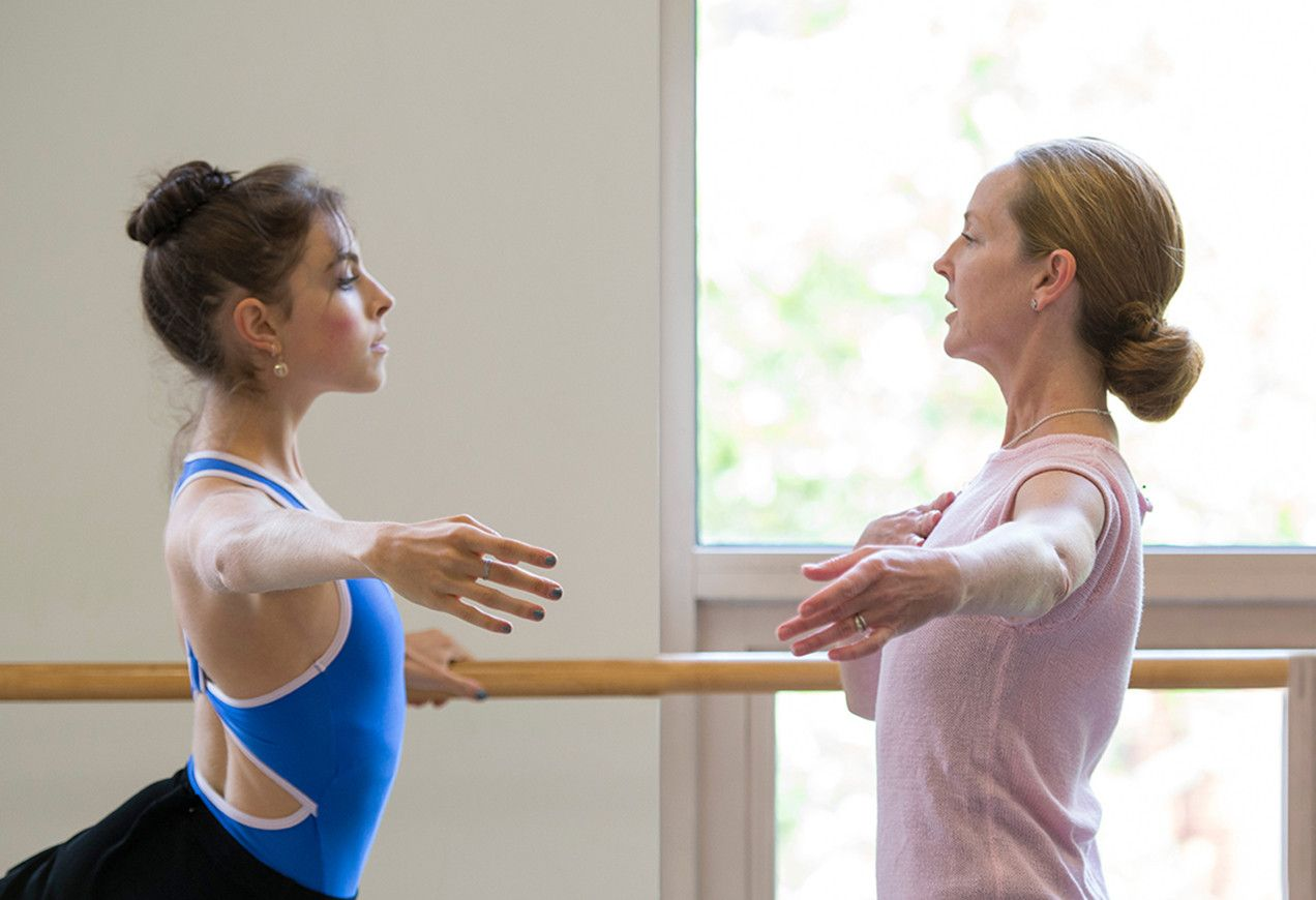 Margaret Tracey Teaching class. Photo credit: Igor Burlak Photography