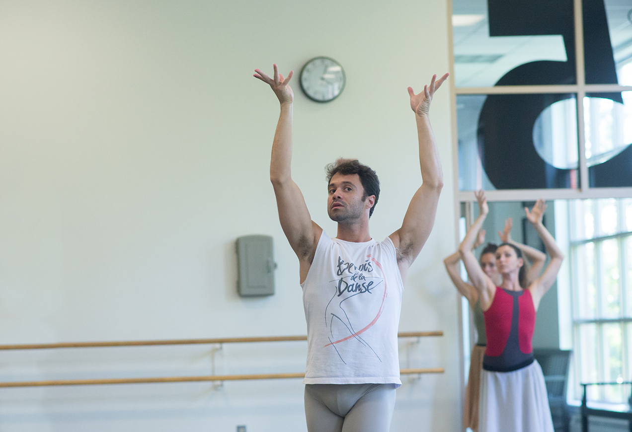Paulo Arrais and Kathleen Breen Combes in rehearsal for Ela, Rhapsody in Blue
