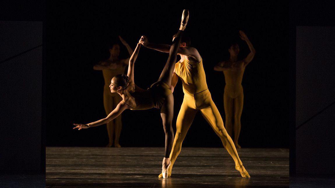 Seo Hye Han and Paul Craig in William Forsythe's Artifact 2017