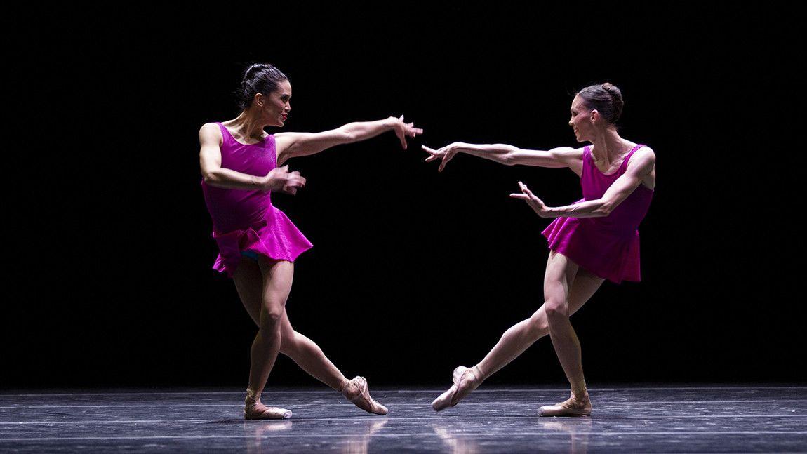 Lia Cirio and Viktorina Kapitonova on stage in William Forsythe's Playlist (EP) by Angela Sterling