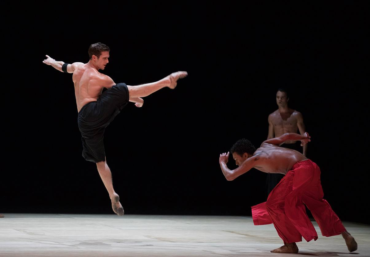 Patric Palkens, Irlan Silva, and Paulo Arrais in Wayne McGregor's Obsidian Tear