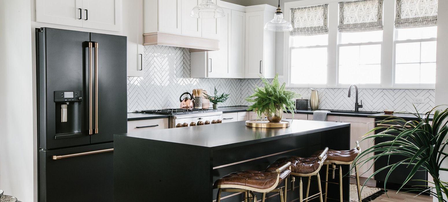 cambria-blackpool-quartz-countertop-kitchen-bar
