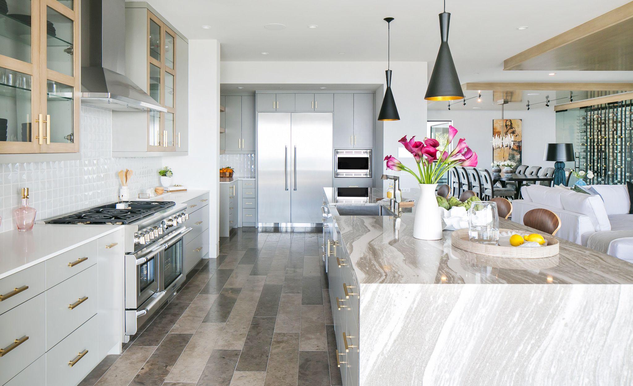 Elegant coastal kitchen with Oakmoor™ countertops.