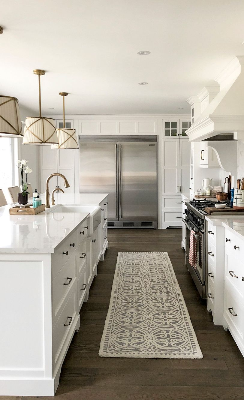 White farmhouse kitchen with Torquay™