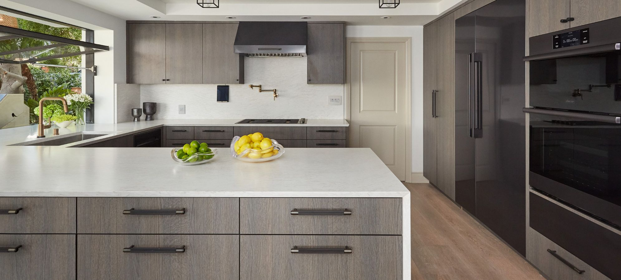Cambria-quartz-countertops-Ironsbridge-Matte-kitchen
