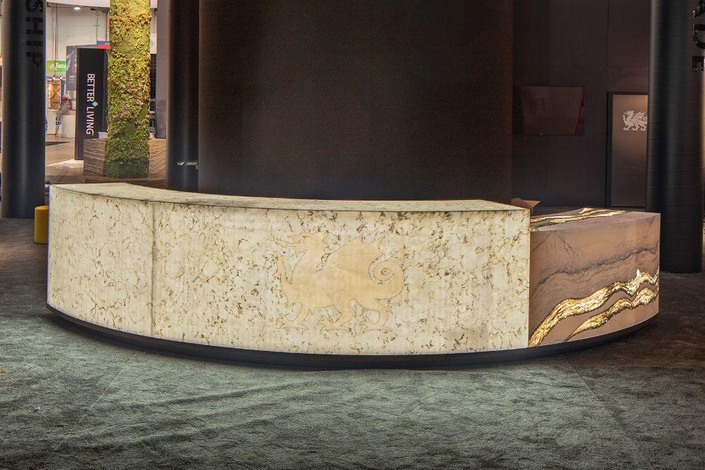 cambria-quartz-countertop-corporate-entryway-desk