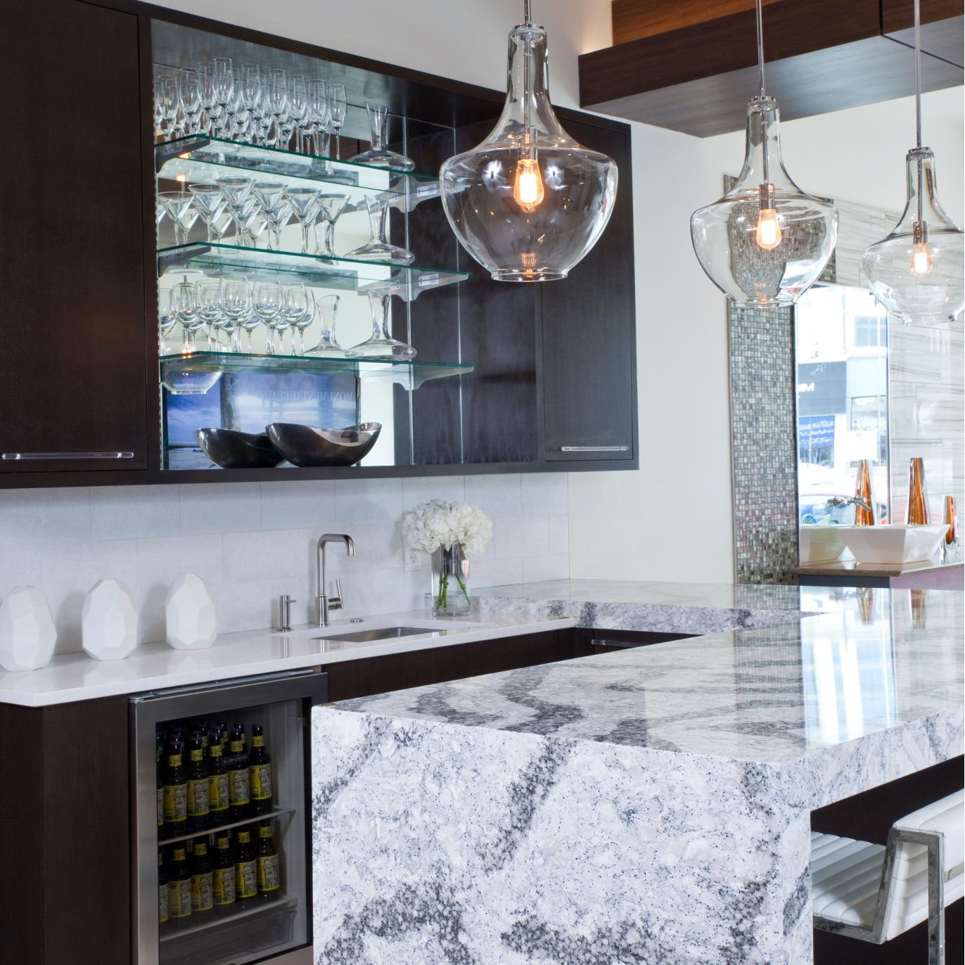 Cambria-seagrove-quartz-countertop-kitchen