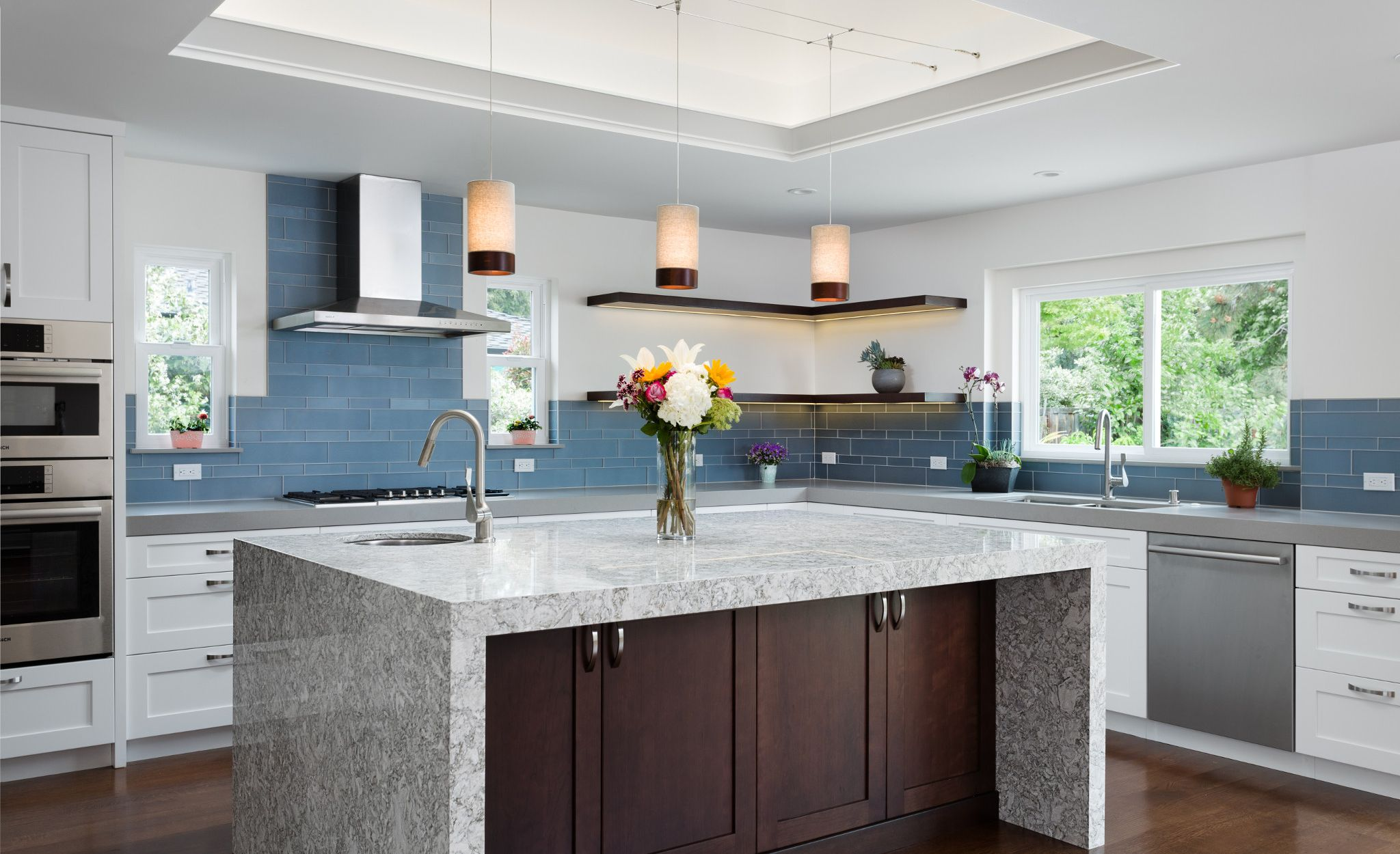 Transitional kitchen with Cambria Berwyn countertops.