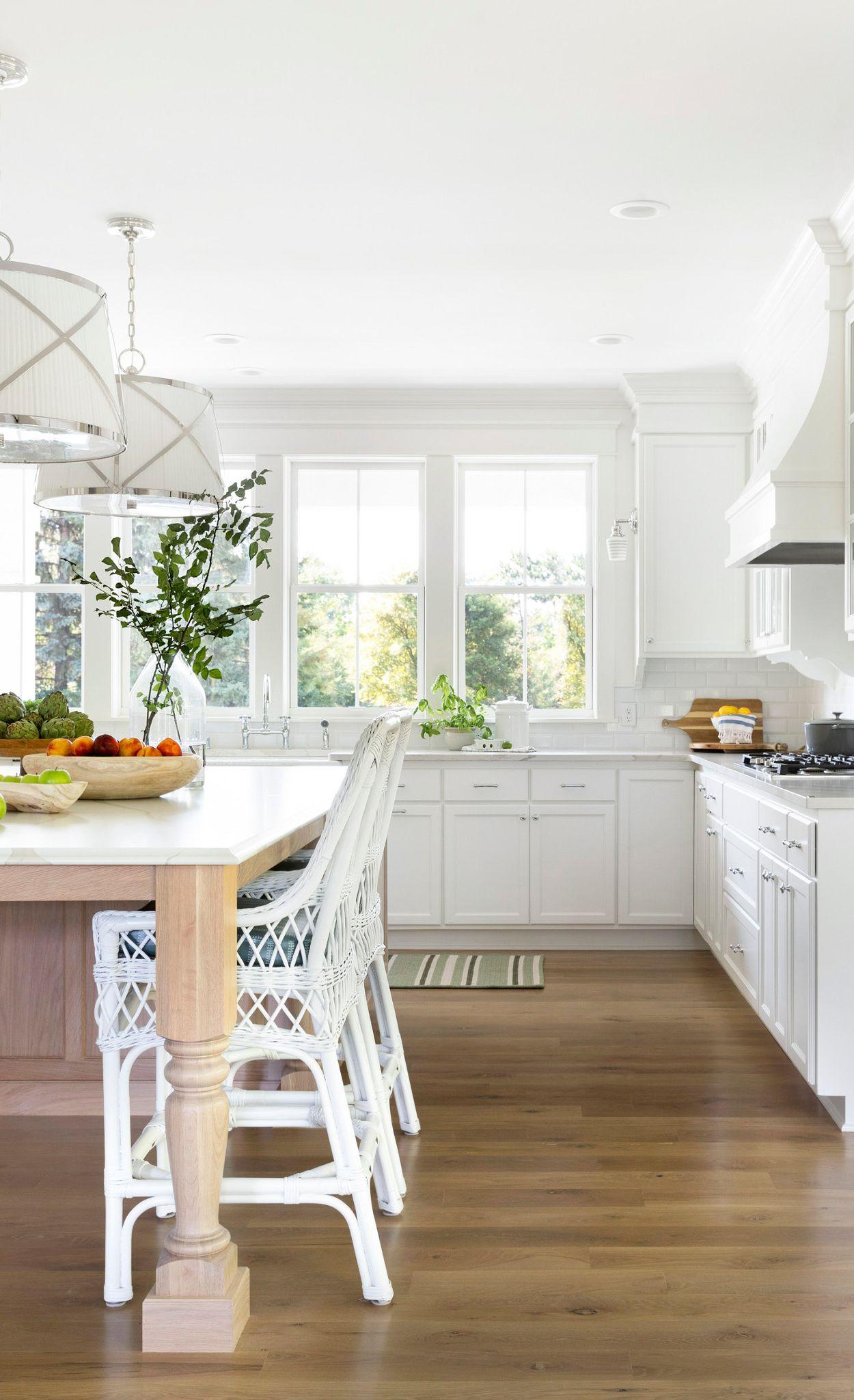 A large Brittanicca Warm island creates stylish and functional kitchen.