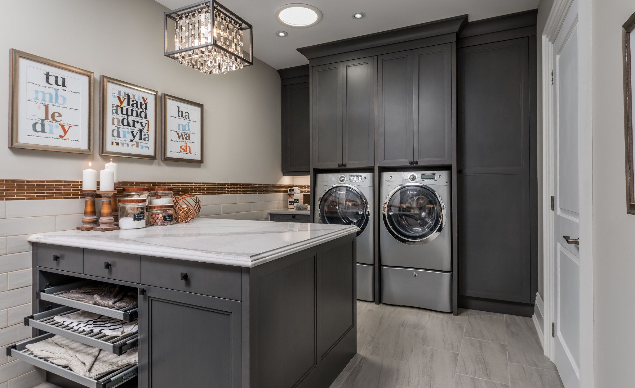 Laundry room island with Cambria Brittanicca™.