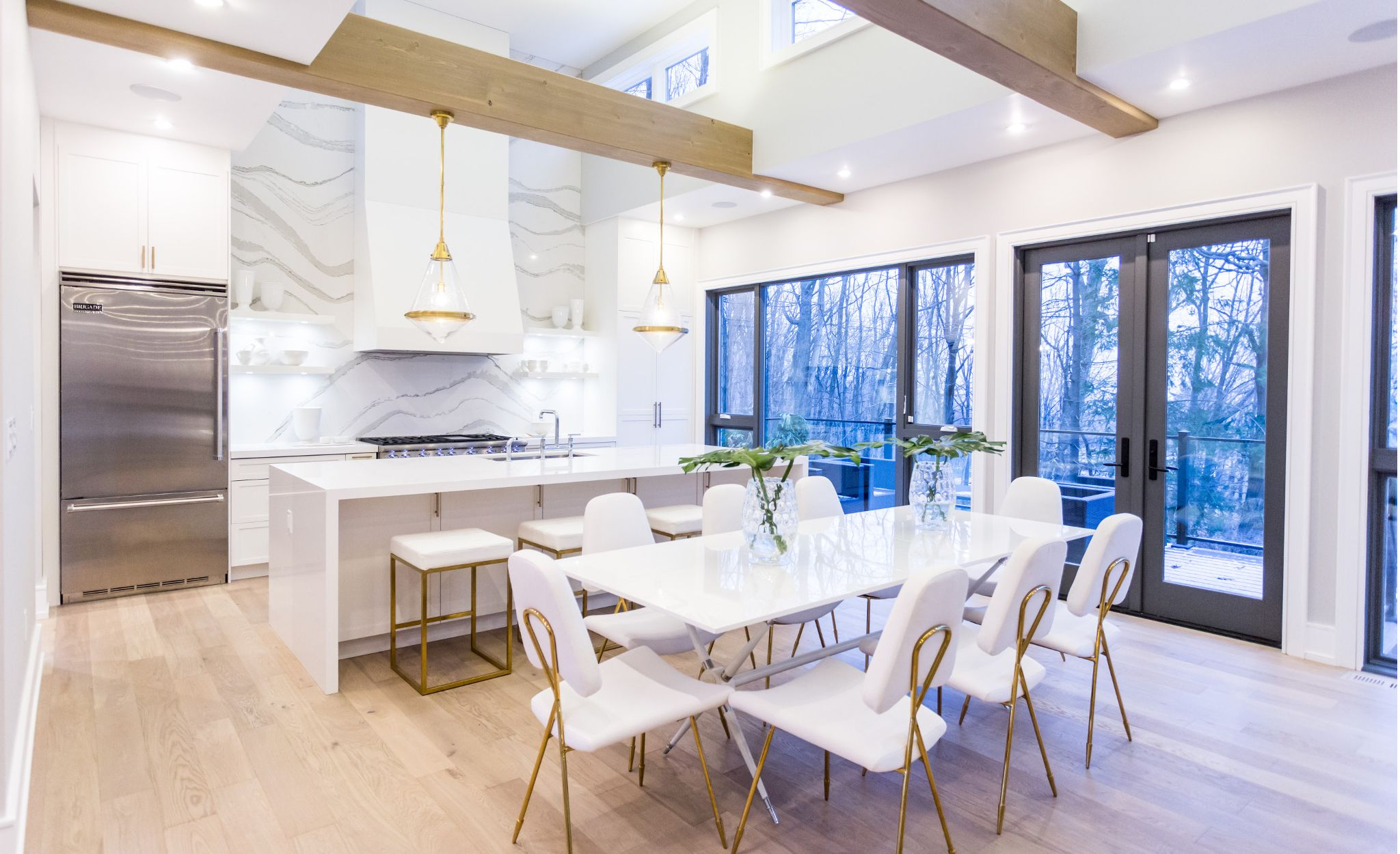 Make a statement with a Brittanicca backsplash and bright White Cliff dining table.