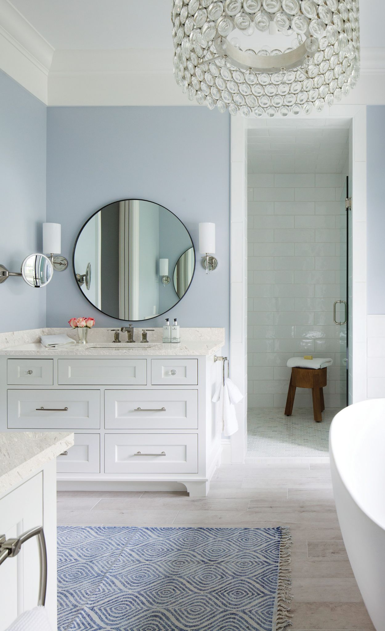 Marble-like Cambria Weybourne add to a Hamptons-inspired master bath.