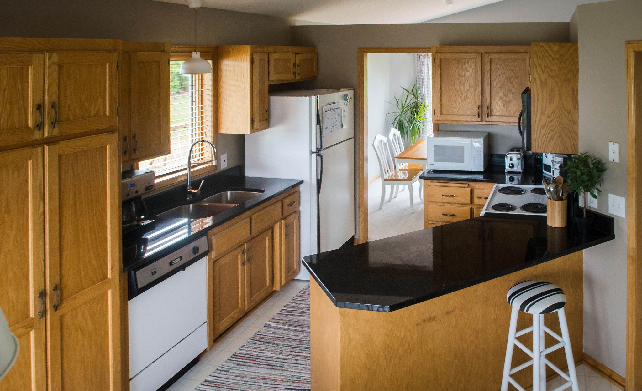 Outdated kitchen before image.