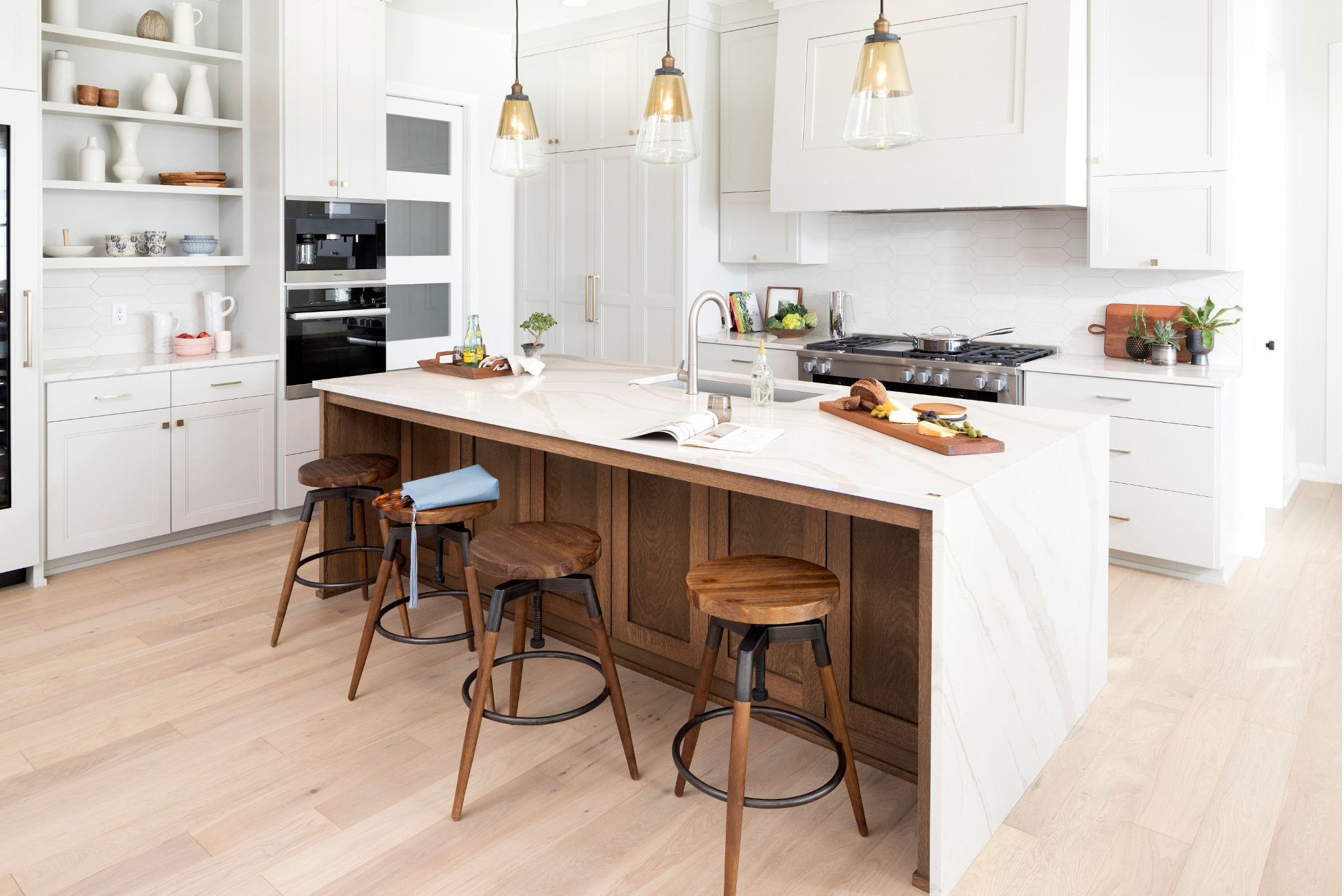 cambria-brittanicca-quartz-countertops-kitchen