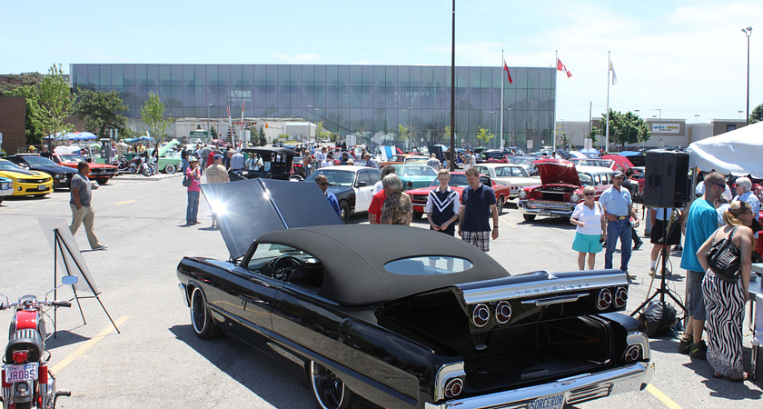 Picture of a classic car at the Centennial College Show and Shine event