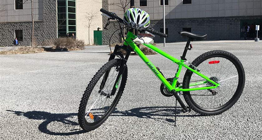 Picture of the Live Green Challenge prize green bike and green helmet