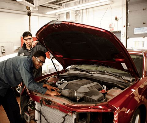 Centennial College Fall 2015 Auto Body Repair Techniques student
