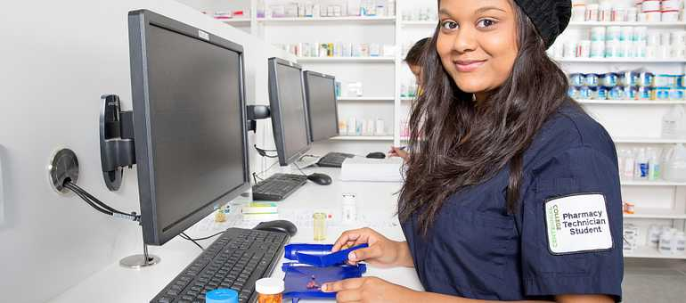 Four secrets about a career in Pharmacy Tech image