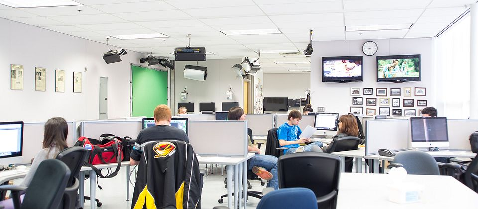 Picture of Centennial College students in the Journalism computer lab