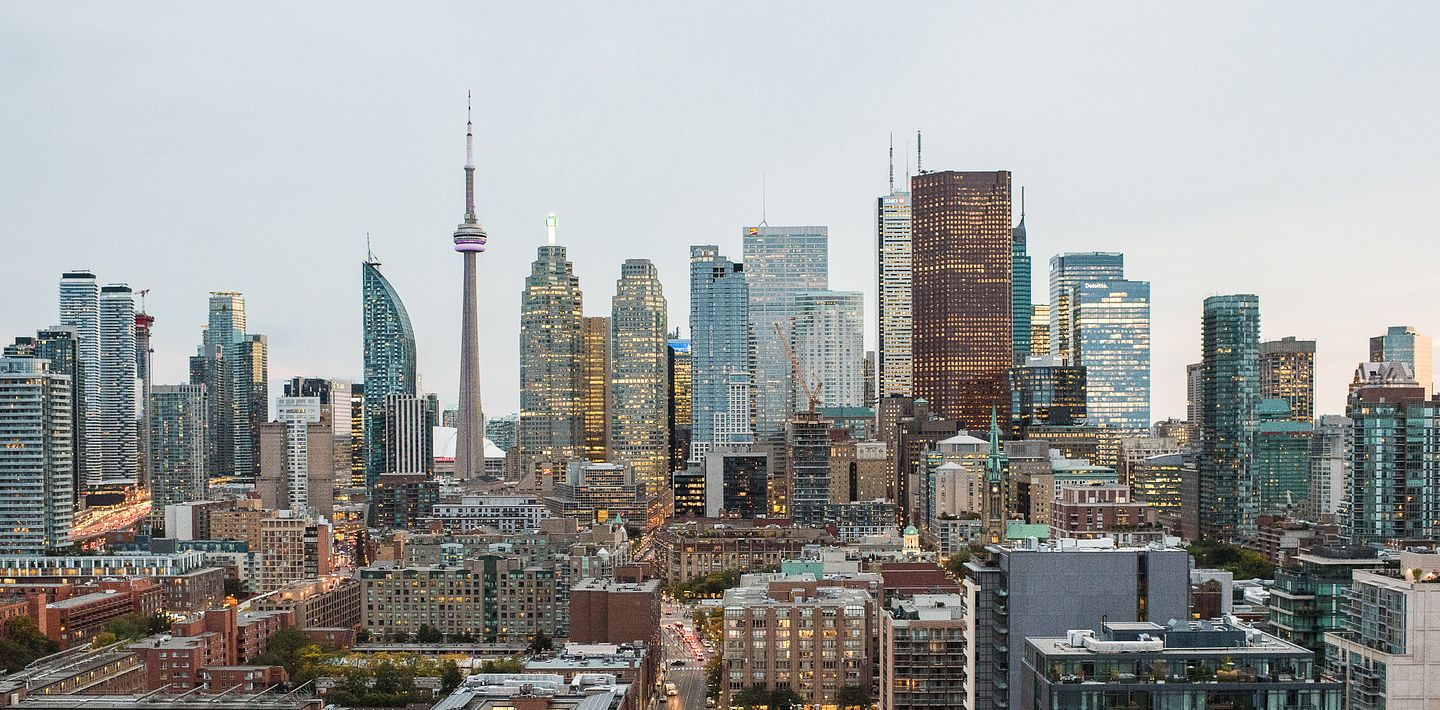 picture of the downtown Toronto cityscape