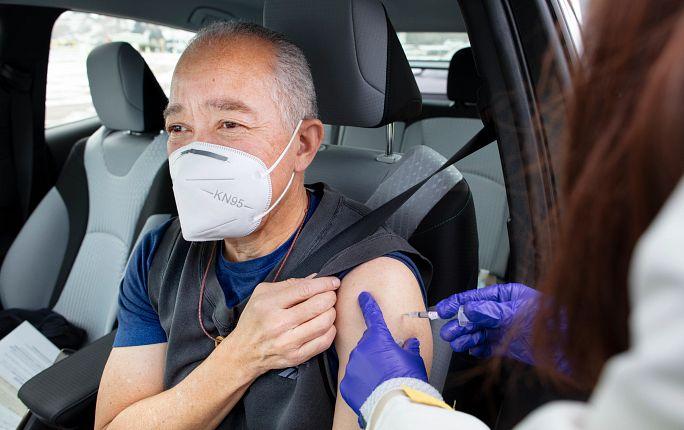 Centura Health's drive-up vaccine clinic