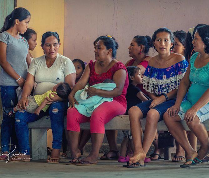 Peruvian women and babies, GHI