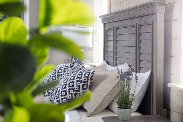 Sonoma Light Tone Panel Bed (3)