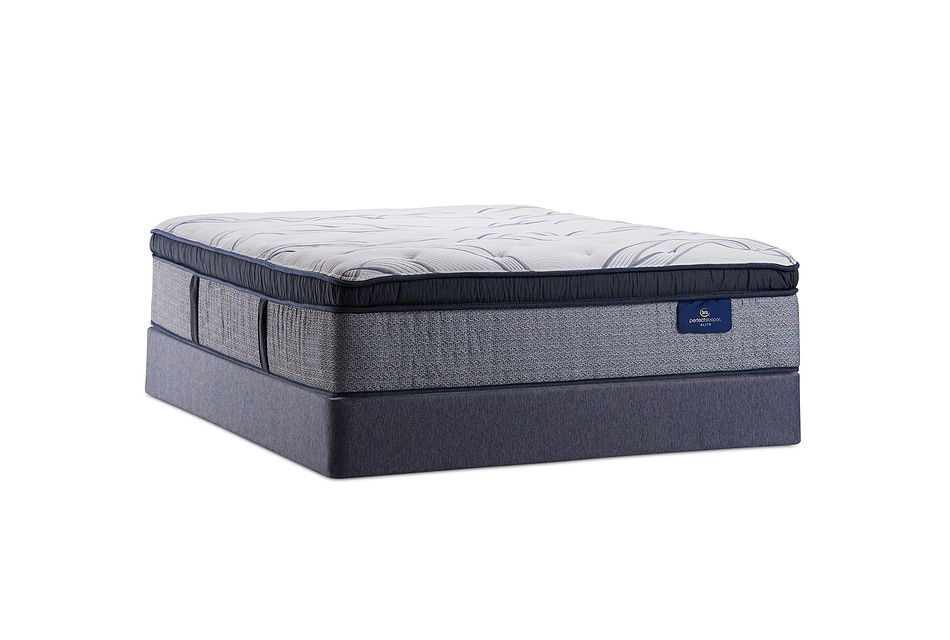 Serta Clearlake Plush Mattress Set