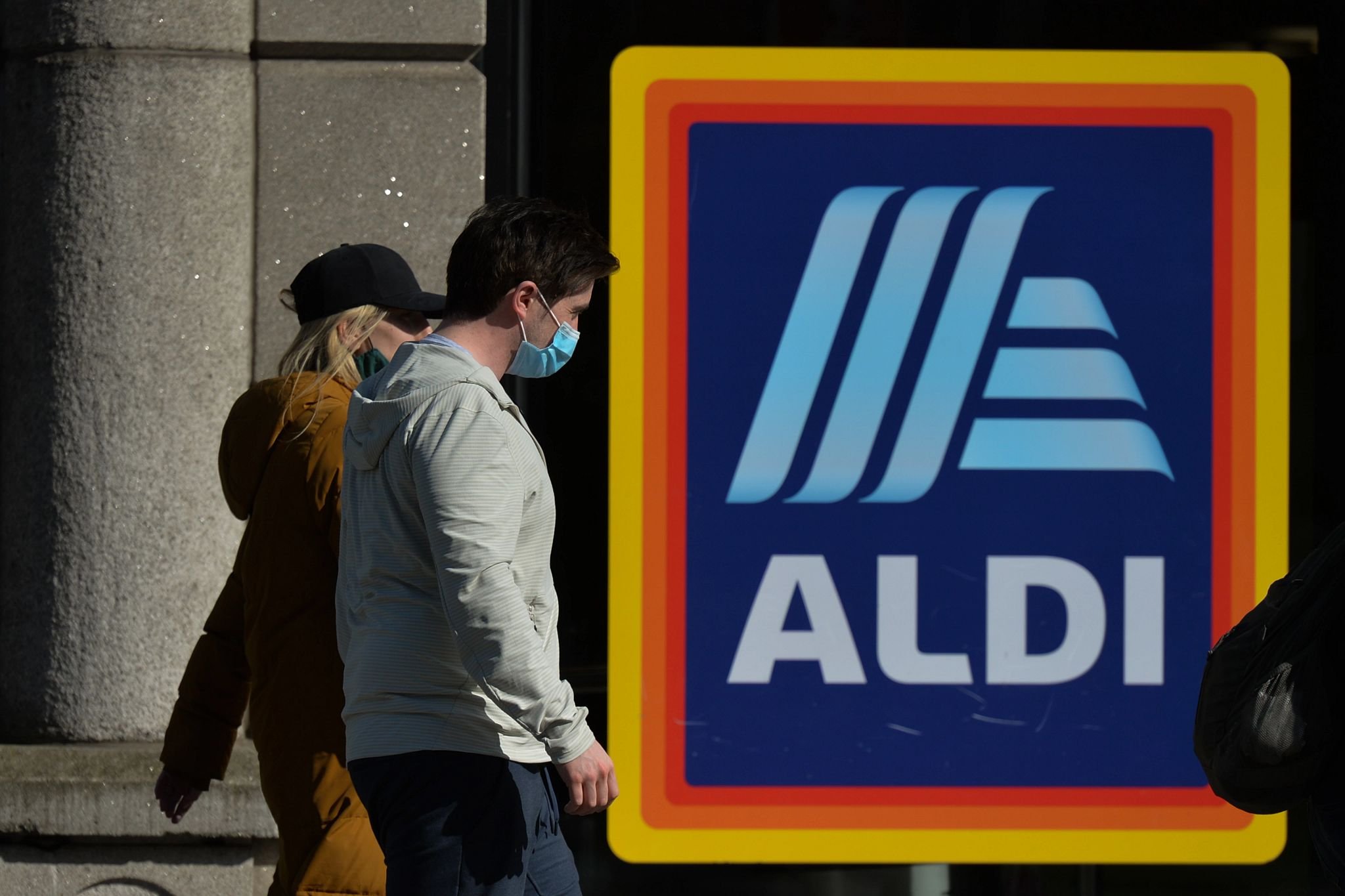 Aldi, with grocery stores across the country including in Chicago, above, has worked on expanding its U.S. footprint in a strategy that's made it a popular target among investors. (Getty Images)