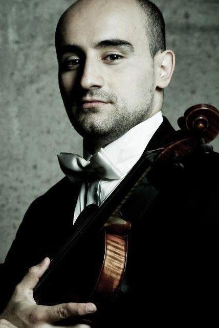 Igor Pikayzen with violin
