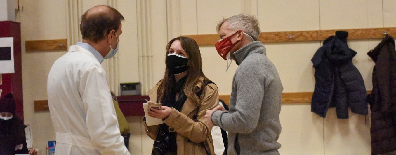 People talking with masks