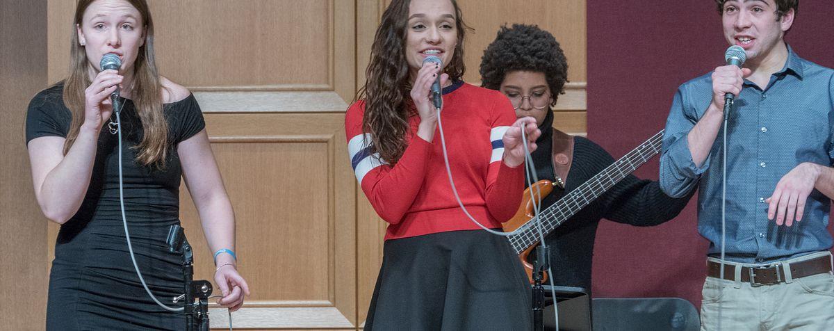 jazz singers performing